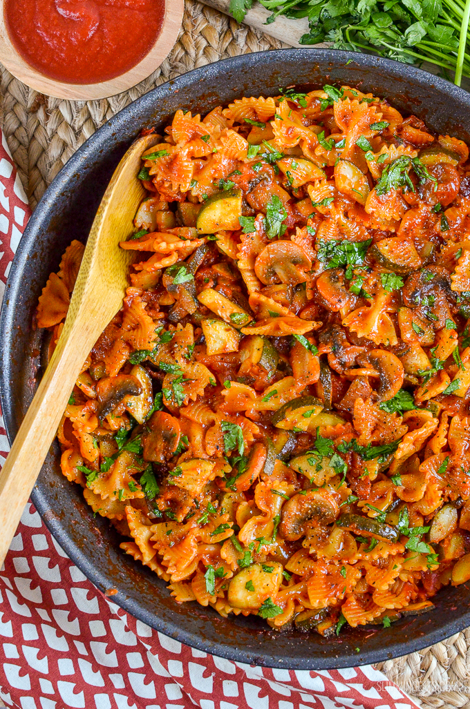 Slimming Eats Mushroom, Bacon, Tomato and Zucchini Pasta - gluten free, vegetarian, Slimming World and Weight Watchers friendly