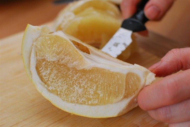 Slimming Eats How to Slice a Honey Pomelo - gluten free, dairy free, paleo, vegetarian, Slimming World and Weight Watchers friendly