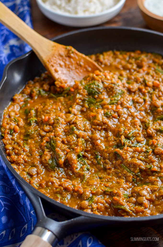 Delicious Syn Free Spicy Lentils and Spinach - a perfect meal for those meatless mondays. Even the non vegetarians, will love this recipe. | gluten free, dairy free, Vegan, Instant Pot, Slimming World, Weight Watchers friendly