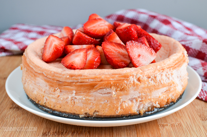 Slimming Eats Low Syn Baked Strawberry Cheesecake - vegetarian, Slimming World and Weight Watchers friendly