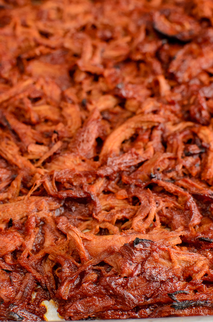 Delicious tender caramelized bbq Slow Cooker Pulled Pork Sandwich - a perfect family meal!! | gluten free, dairy free, Slimming World and Weight Watchers friendly