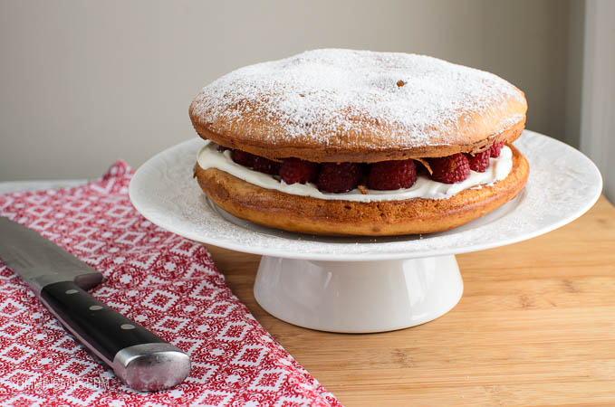 Slimming Eats Low Syn Raspberry and Lemon Sponge - vegetarian, Slimming World and Weight Watchers friendly
