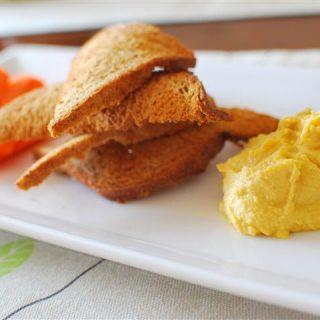 Hummus with Crispy Whole Wheat Toast