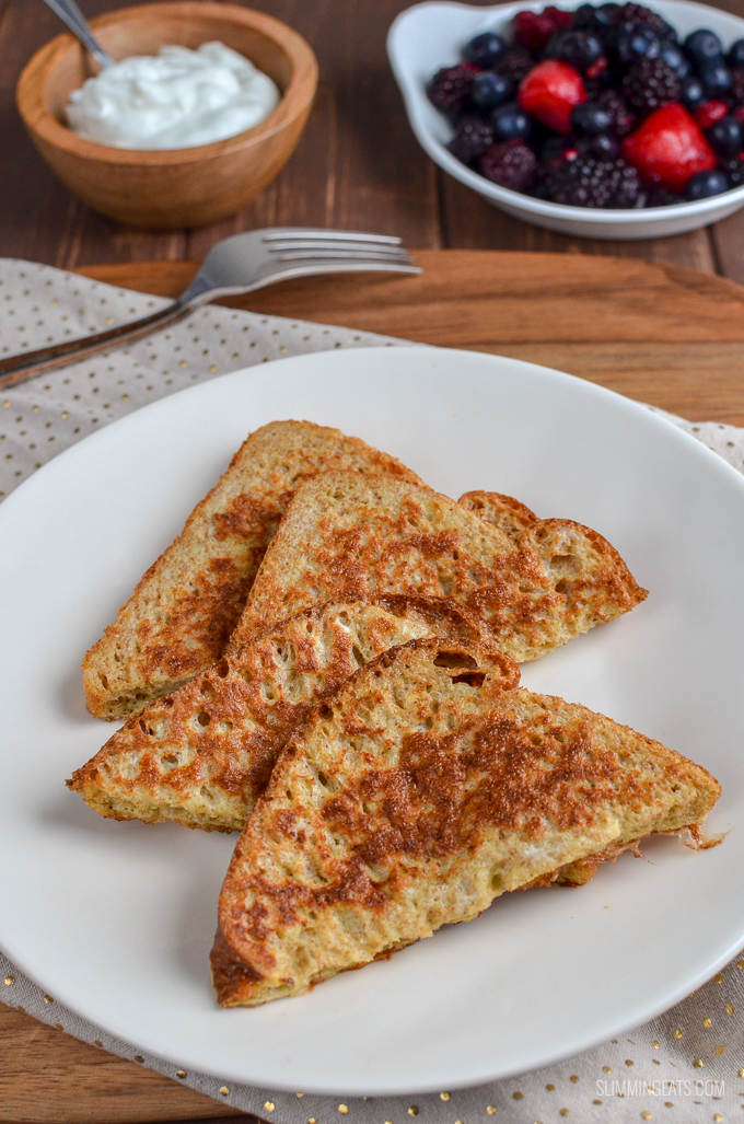 Perfect Low Syn French Toast with Mixed Berries and Maple Syrup - simple ingredients for a delicious quick and easy breakfast - dairy free, vegetarian, Slimming World and Weight Watchers friendly | www.slimmingeats.com