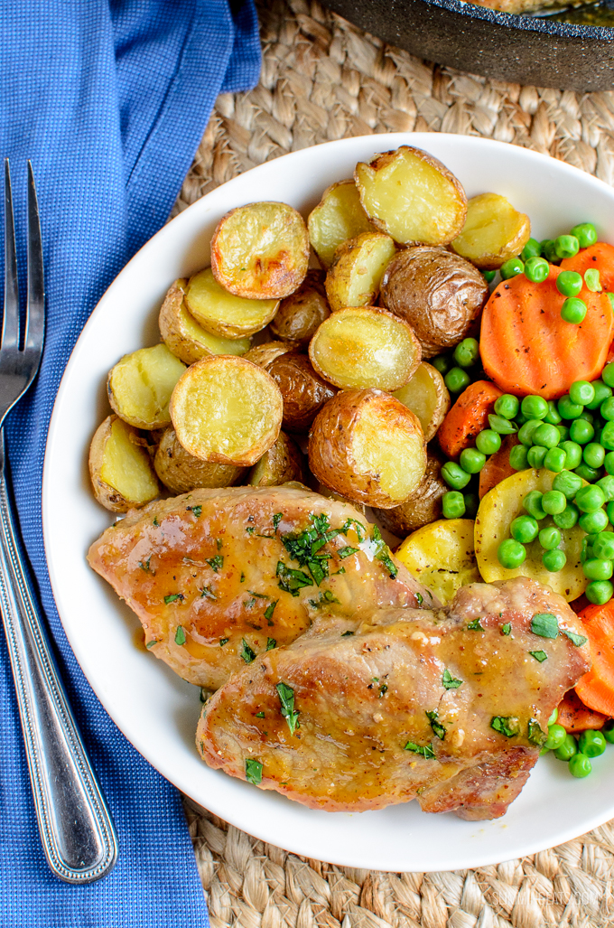 Low Syn Honey Mustard Glazed Pork Loins - Tender Pork with a delicious Honey Mustard Sauce. An easy dinner for the whole family. Gluten Free, Dairy Free, Paleo, Slimming World and Weight Watchers friendly