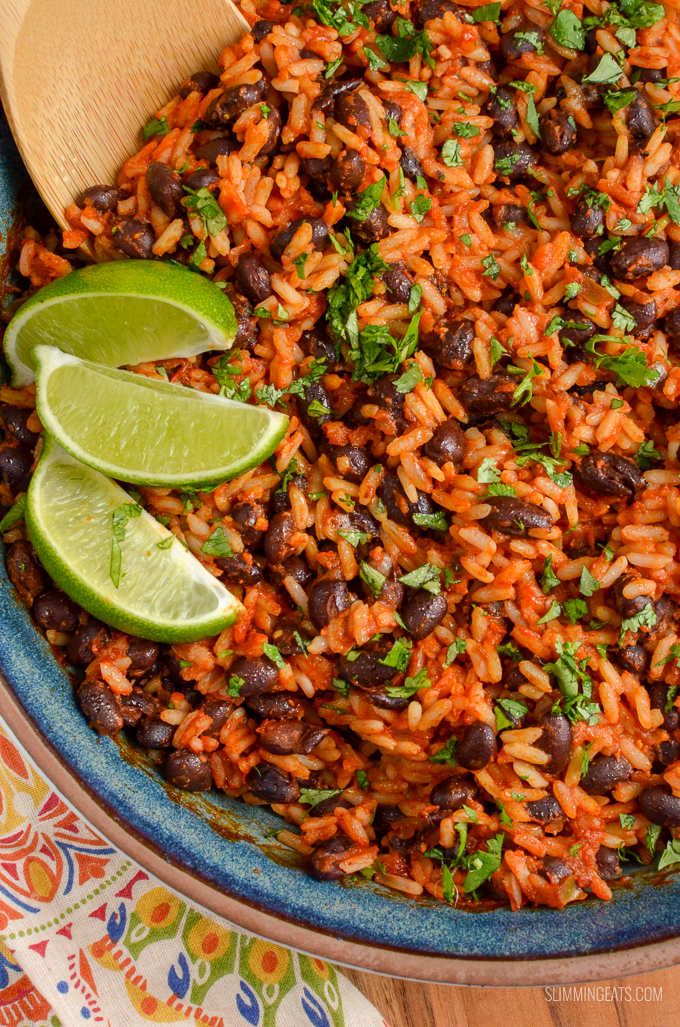 Syn Free Mexican Rice - The perfect side dish to all your favourite Mexican Dishes. Slimming World, Weight Watchers friendly and Gluten Free, Dairy Free and suitable for vegetarians. | www.slimmingeats.com