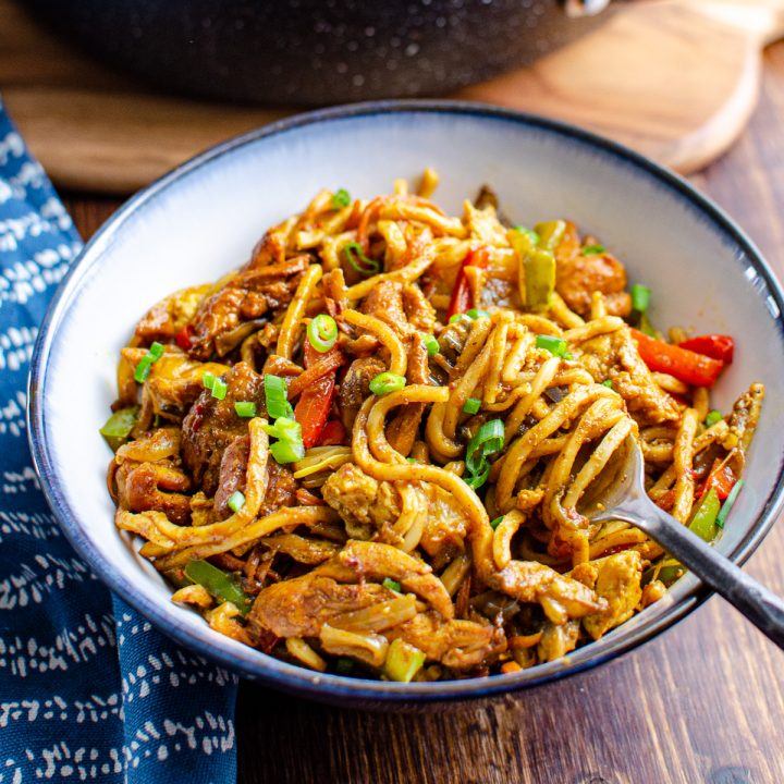Delicious Chicken Singapore Noodles