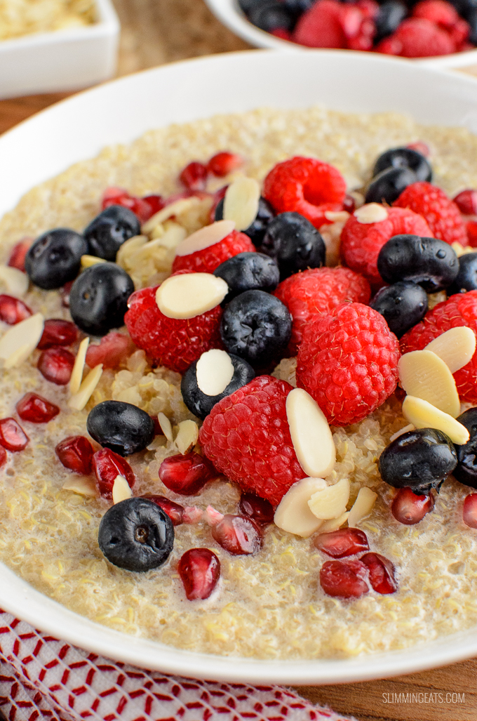 I love rice pudding and oatmeal, and this delicious Coconut Quinoa Pudding Breakfast Bowl is a great alternative that doesn't use your healthy extra B allowance. Gluten free, dairy free, vegan, Slimming World and Weight Watchers friendly | www.slimmingeats.com