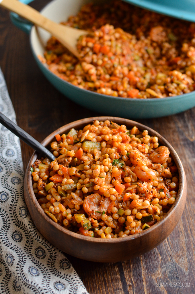 Syn Free Harvest Grain Blend with Chicken and Shrimp - a combination mix of Israeli couscous, orzo, red quinoa and lentils with delicious vegetables and Chicken and Shrimp. Slimming World and Weight Watchers friendly | www.slimmingeats.com #slimmingworld #weightwatchers #shrimp #chicken