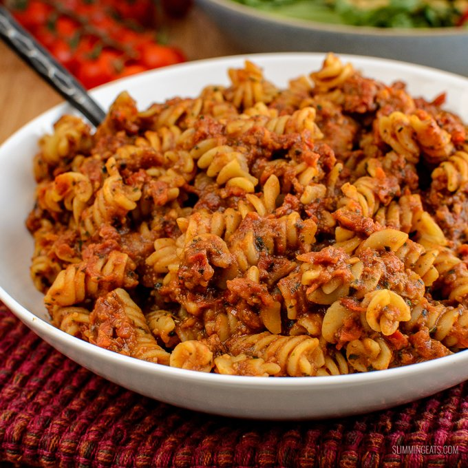 Smother your pasta in this delicious Low Syn Sun-dried Tomato Red Pesto - using your HEa, it's only 1 syn for half the recipe.Gluten Free, Slimming World and Weight Watchers friendly | www.slimmingeats.com
