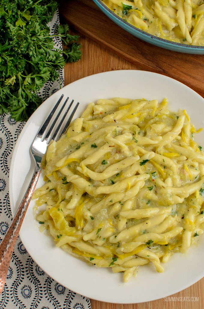 Garlic, Yellow Zucchini and Pasta - simple ingredients combine for a delicious Dairy Free One Pot Creamy Yellow Zucchini Pasta. Gluten Free, Vegan, Slimming World and Weight Watchers friendly | Syns: 3.5 | Calories: 402 | Weight Watchers Smart Points: 11 | www.slimmingeats.com
