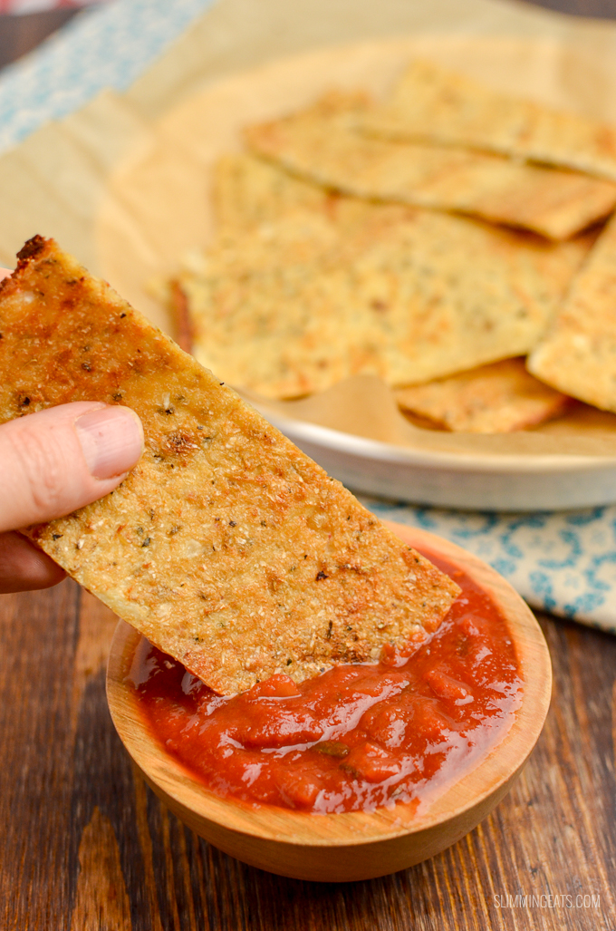Delicious Low Syn Gluten and Dairy Free Cauliflower Garlic Flatbread - perfect for dipping, as bread or as a wrap for kofta, kebabs and a whole lot more. Vegetarian, Slimming World and Weight Watchers friendly