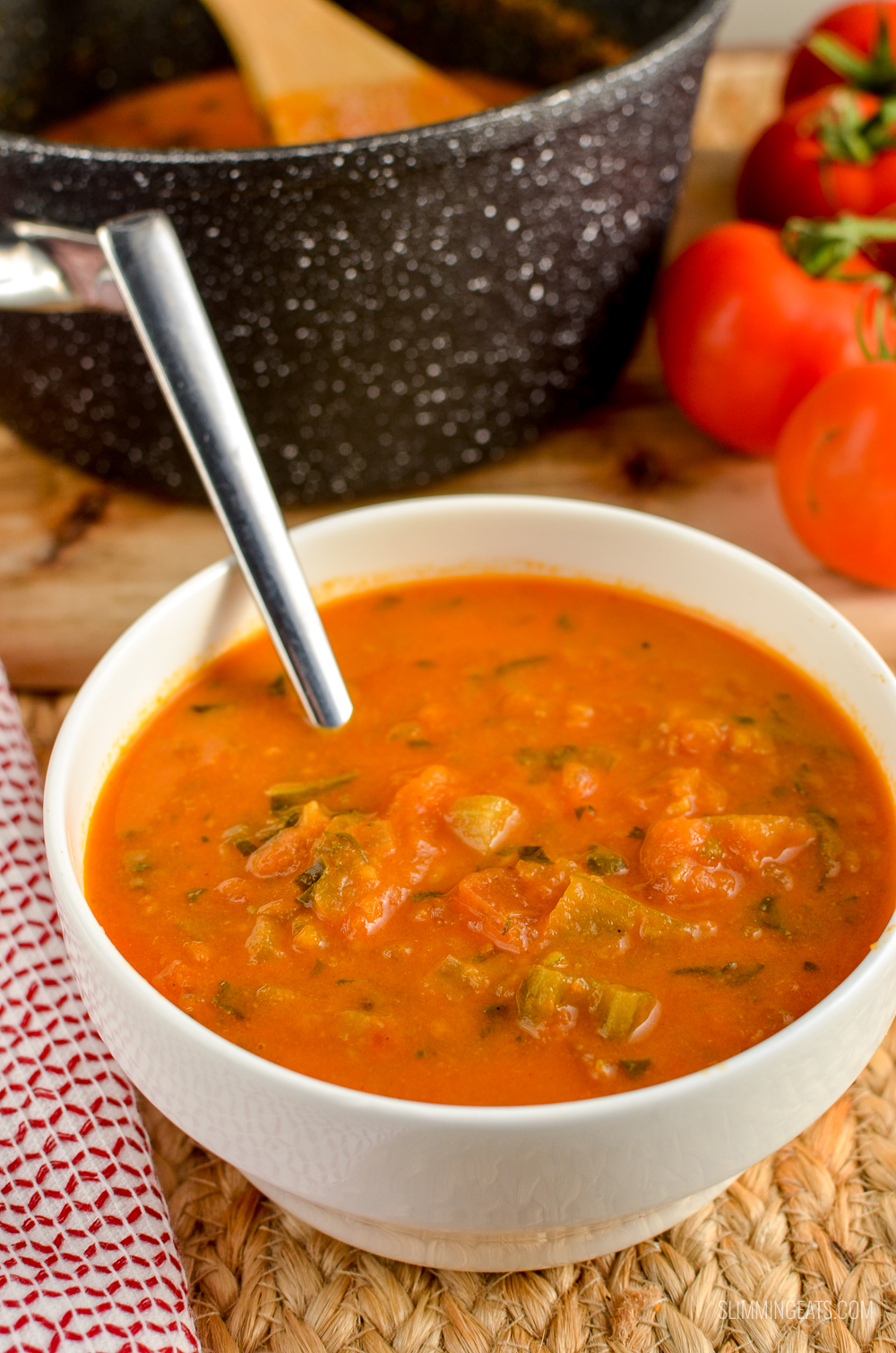 Tomato and Basil Soup | Slimming Eats - Weight Watchers and