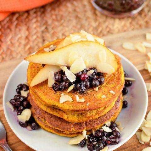 Fluffy Pumpkin Oatmeal Pancakes