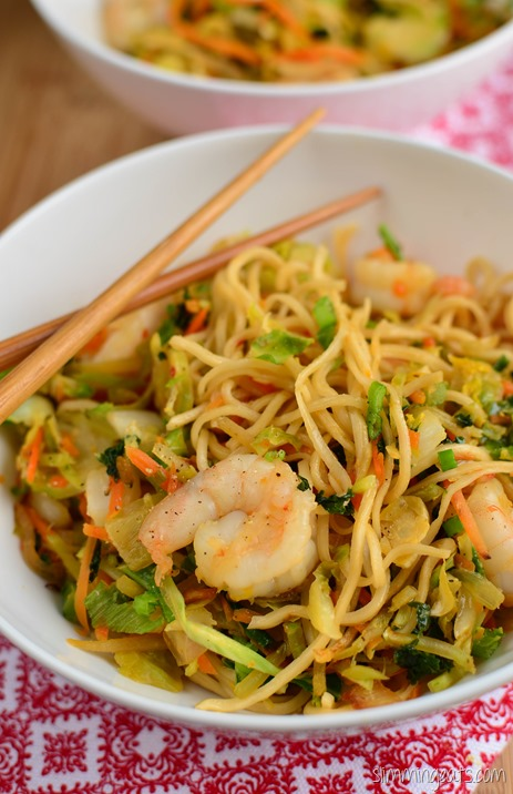Slimming Eats Quick Sweet Chilli Prawns and Noodles - dairy free, Slimming World and Weight Watchers friendly
