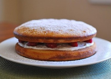 Slimming Eats Raspberry and Lemon Sponge - vegetarian, Slimming World and Weight Watchers friendly