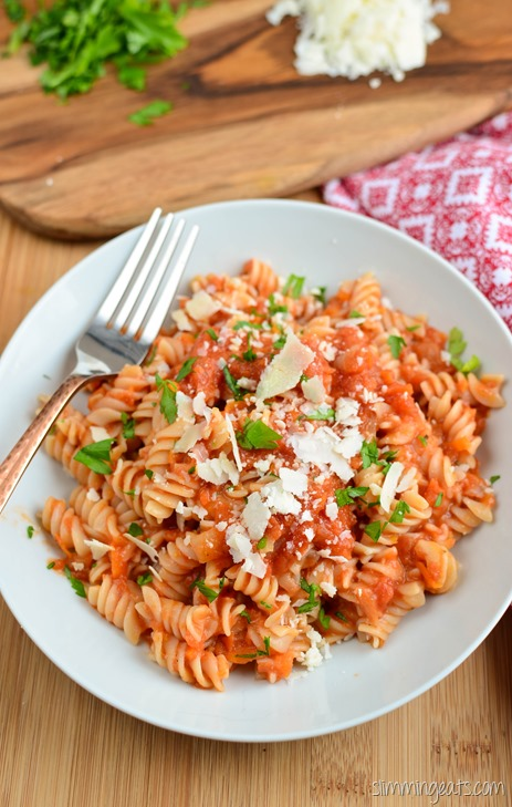 Slimming Eats Roasted Tomato and Garlic Pasta Sauce - gluten free, dairy free, vegetarian, whole30, paleo, Slimming World (SP) and Weight Watchers friendly