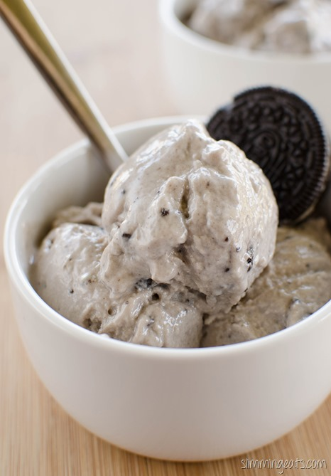 Slimming Eats Cookies and Cream Frozen Yoghurt - Slimming World and Weight Watchers friendly