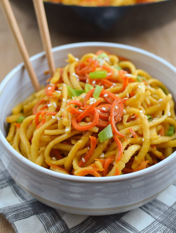 Garlic Sesame Carrot and Noodles