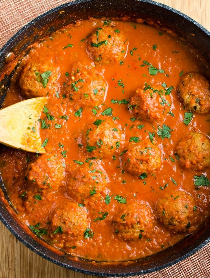 Syn Free Vegetarian Meatballs in Creamy Tomato Sauce