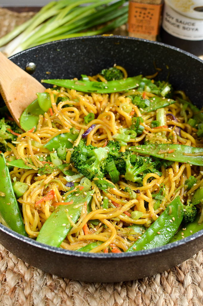 Slimming Eats Quick Hoisin Vegetable Noodle Stir Fry - dairy free, vegetarian, Slimming World and Weight Watchers friendly