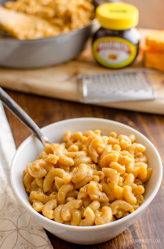 You will either LOVE or HATE this One Pot Marmite Macaroni and Cheese - a quick family meal, ready in less than 20 minutes. Vegetarian, Slimming World and Weight Watchers friendly | www.slimmingeats.com