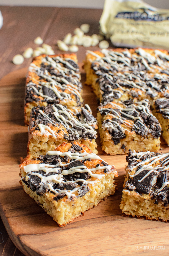Delicious Cookies and Cream Oat Bites with a white chocolate drizzle - enjoy 4 of these for 1 Healthy Extra B and 6 syns.Slimming World and Weight Watchers friendly