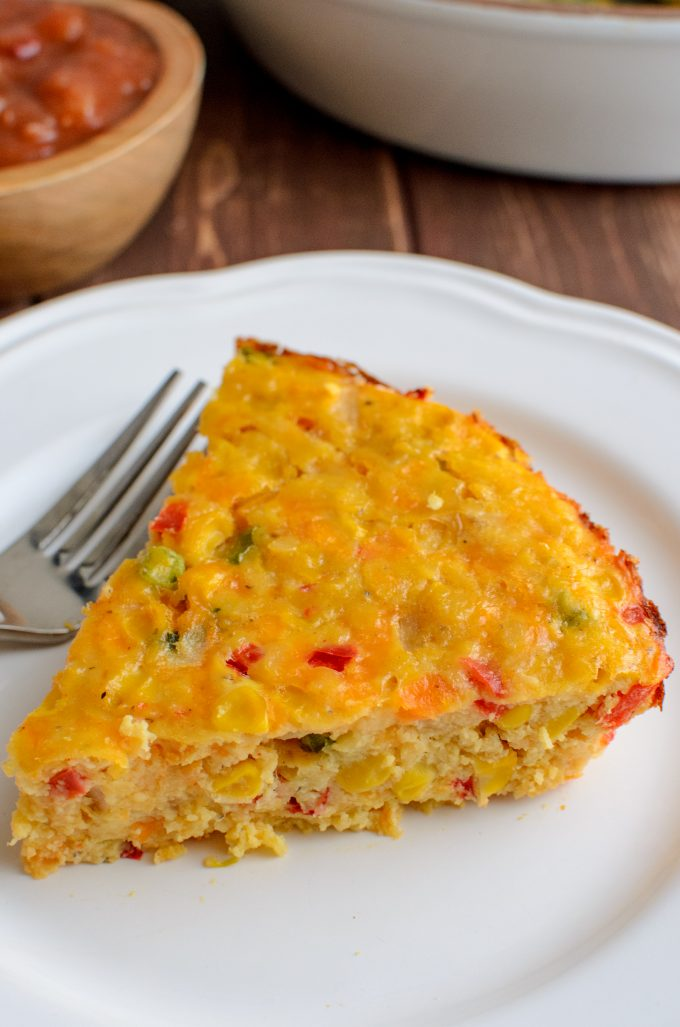 This vegetarian Lentil Cheddar Sweetcorn Bake is perfect for a quick grab and go lunch or snack. Gluten Free, Vegetarian, Slimming World and Weight Watchers friendly. | www.slimmingeats.com