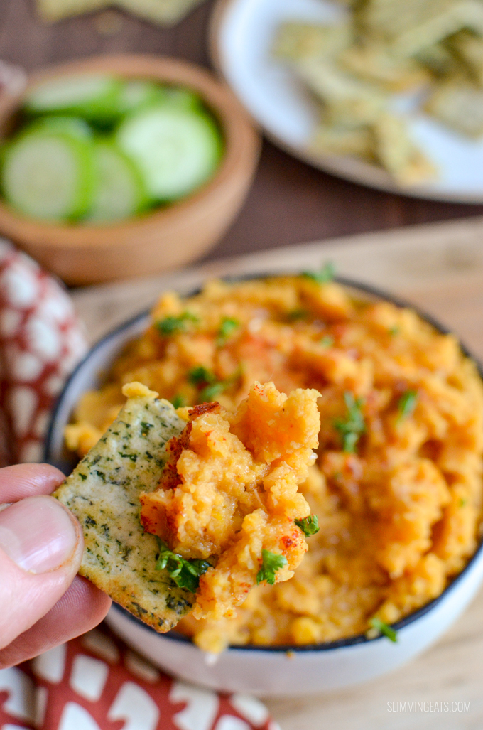 Roasted Butternut Squash and Butter Bean Dip - a delicious savoury hummus-like dip with the sweetness of the roasted squash, combined with creamy butter beans and a perfect blend of spices. Vegan, Gluten Free, Dairy Free, Slimming World and Weight Watchers friendly | www.slimmingeats.com #slimmingworld #weightwatchers #glutenfree #dairyfree #vegan