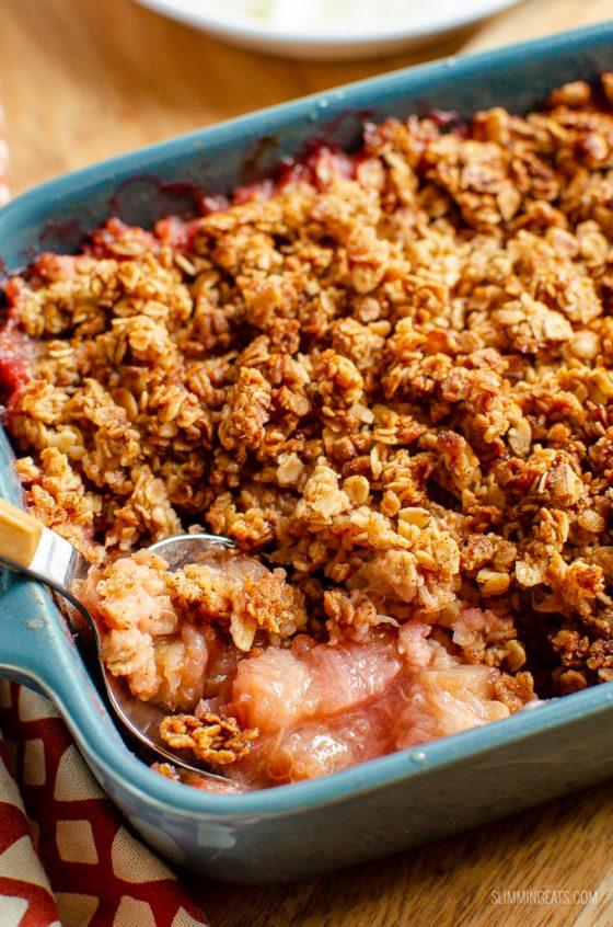Low Syn Cinnamon Oat Rhubarb Crumble | Slimming World