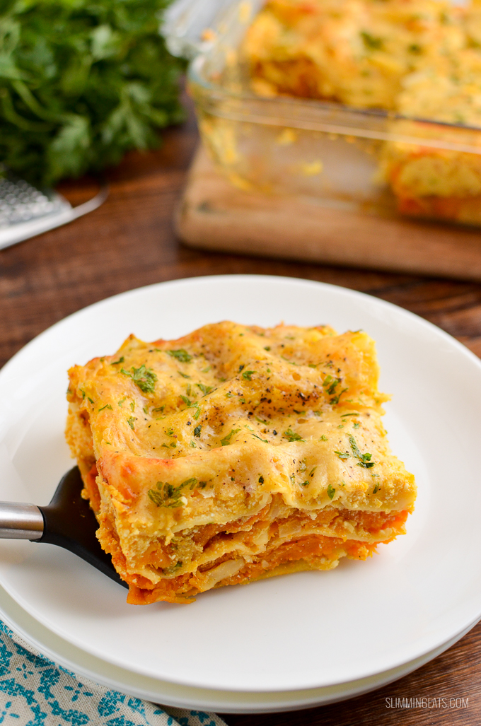 Sweet and savoury butternut squash combined with a creamy ricotta sauce for this delicious Syn Free Roasted Butternut Squash Ricotta Lasagne. Vegetarian, Slimming World and Weight Watchers friendly #slimmingworld #weightwatchers #butternutsquash #lasagne #vegetarian #ricotta