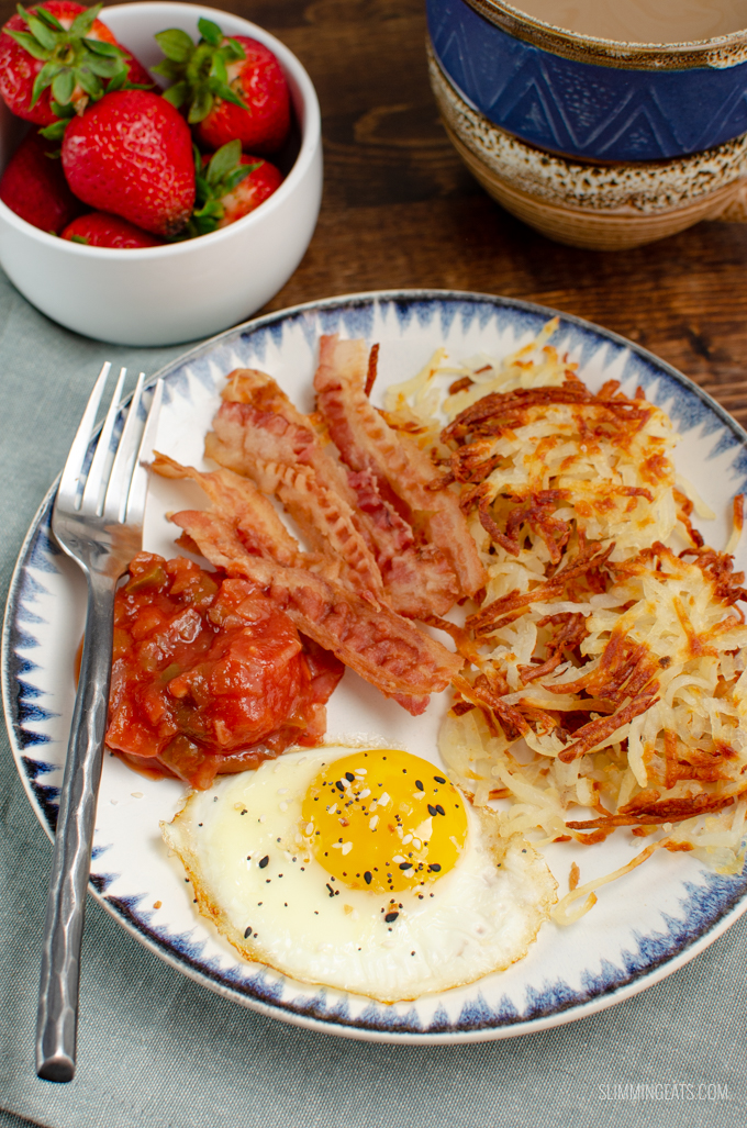 This Syn Free Sheet Pan American Crispy Hash Browns is the perfect side for your Full Breakfast with bacon and eggs. Gluten free, dairy free, vegetarian, Slimming World and Weight Watchers friendly #slimmingworld #weightwatchers #glutenfree #dairyfree #vegetarian