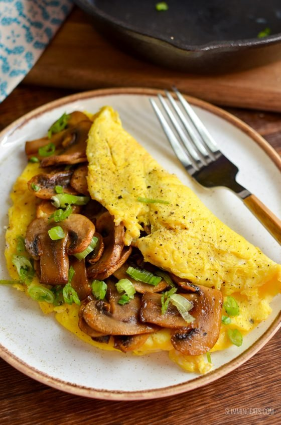 Sticky Sriracha Mushroom Omelette | Slimming World