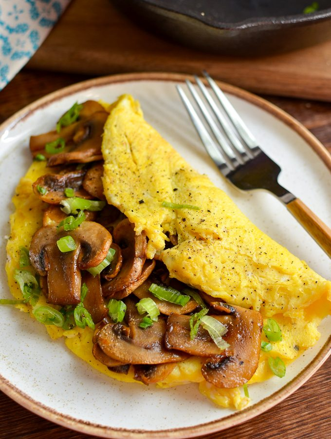Sticky Sriracha Mushroom Omelette | Slimming World