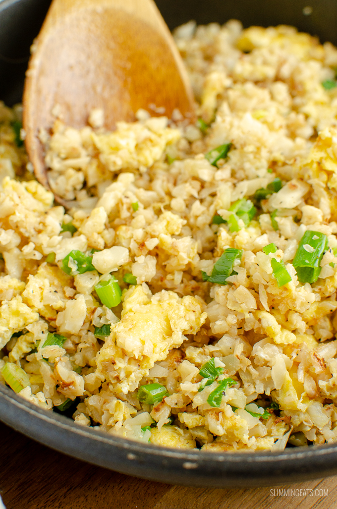 Syn Free Egg Fried Cauliflower Rice - The perfect speed packed side dish for your Chinese Fakeaway dishes | gluten free, dairy free, vegetarian, paleo, Whole30, Slimming World and Weight Watchers friendly