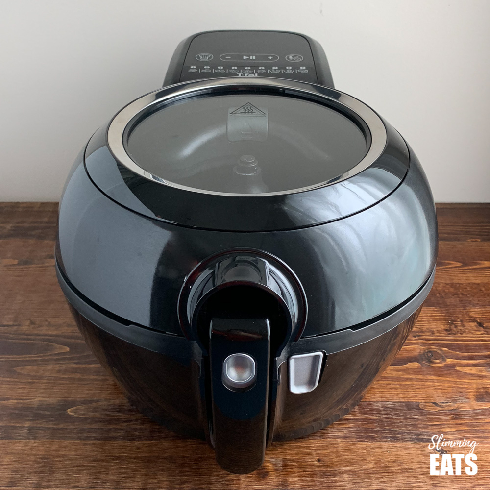 Picture of black Tefal Actifry genius model for actifry fish and chips recipe