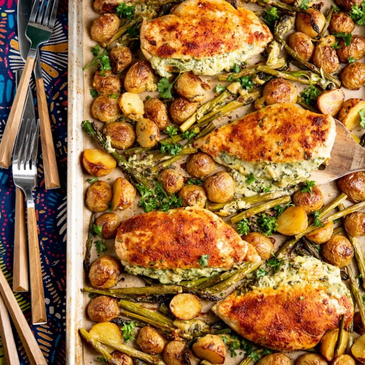 Creamy Cheesy Spinach Stuffed Chicken Tray Bake