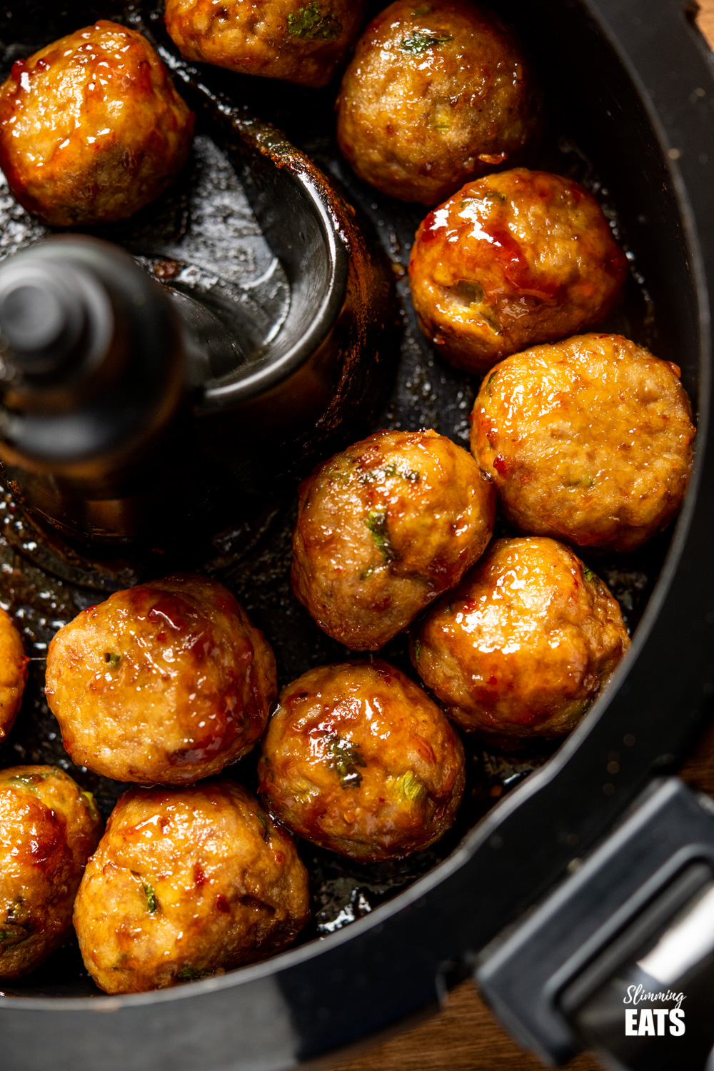 sticky chicken meatballs in Actifry pan