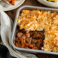 Tourte au bifteck et aux légumes avec pâte filo