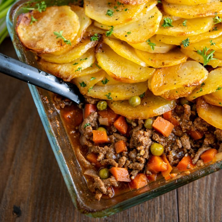 Crispy Potato Topped Meat Pie  - Minced Beef Hotpot